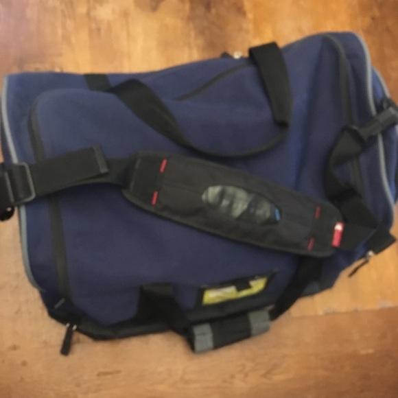d5da75fe59 Burton Other - Vintage Burton snowboard duffle bag 💼